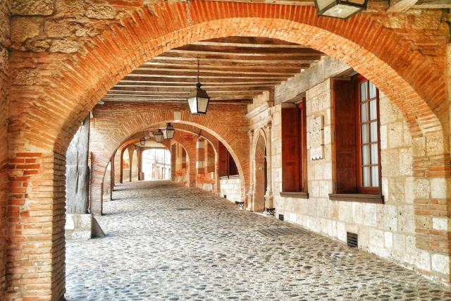 Pavla Apostolaki putovala po Okcitánii nejkrásnějšími vesničkami Francie