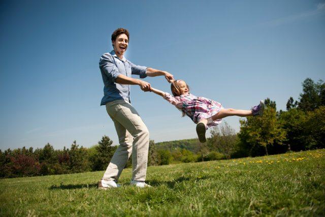 Pozornost rodičů je pro dítě důležitá stejně jako hodnoty, které od nich přebírá