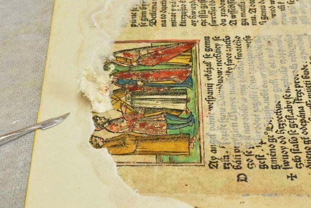 Bible benátská prošla náročným restaurováním