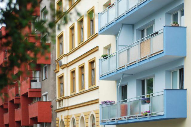 Kritéria pro přidělování obecních bytů v městské části Brno-sever jsou podle odborníků diskriminační