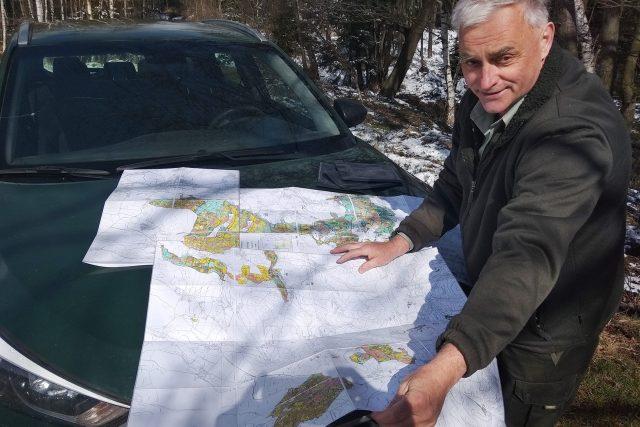Revírník Milan Morch se stará celkem o 1650 hektarů lesů