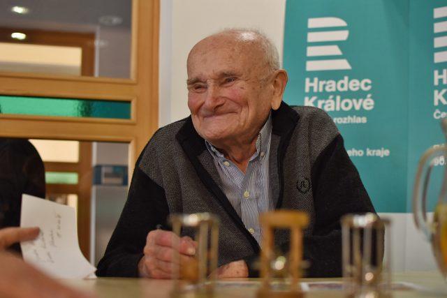 Opravdová legenda. Jindra Hojer z Rychlých šípů žije v domově důchodců v Pardubicích   foto: Jiřina Šmídová,  Český rozhlas