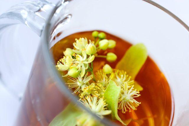 Nápoj z lipového květu