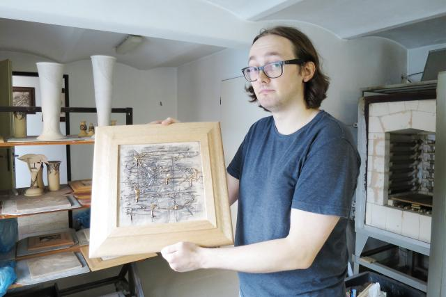Obrazy z keramiky patří k nejoblíbenějším dílům Jakuba Šicha