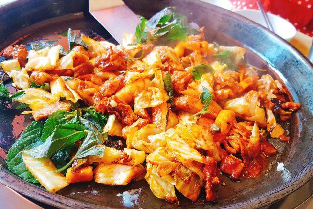 Kuře je u nás nejpopulárnější drůbeží maso  (ilustrační foto) | foto: Fotobanka Pixabay