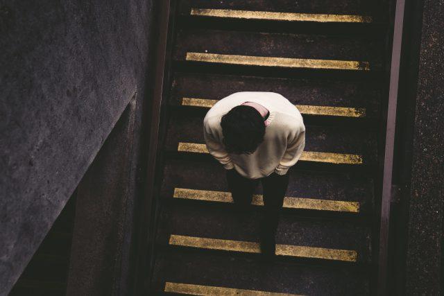 nešťastný vztah - samota - smutek - rozchod