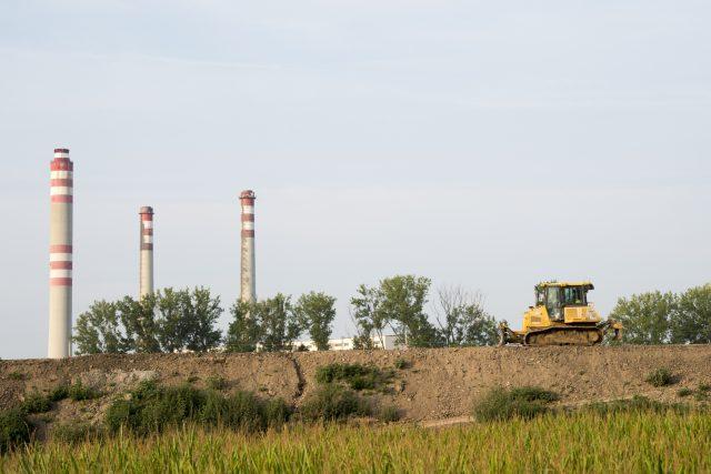 Budování dálnice D35 u Opatovic nad Labem | foto: Josef Vostárek,  ČTK