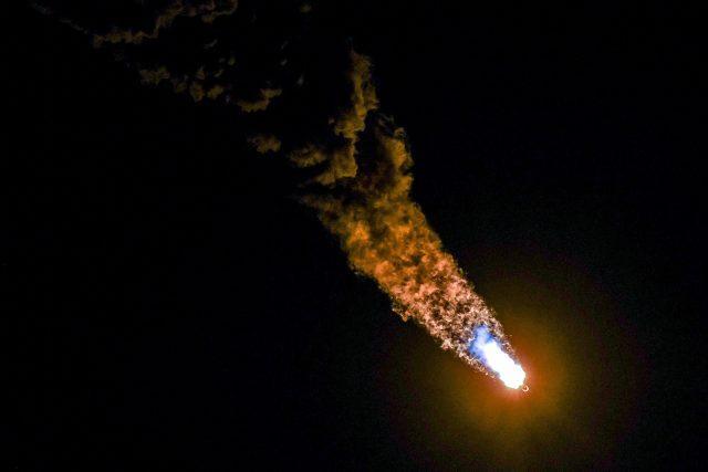 SpaceX vynesla do kosmu další družice sítě Starlink. Mají pomoci s vysokorychlostním internetem | foto: Craig Bailey/Florida Today via USA Today Network,  Reuters