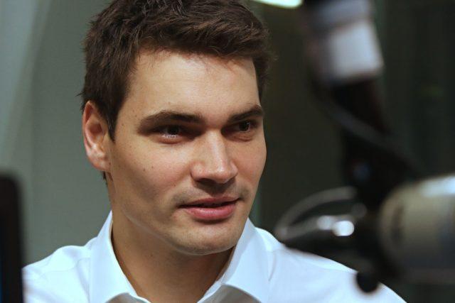 Jedna z deseti nominovaných Šarmantních osobností za rok 2020,  moderátor Daniel Stach | foto: Luboš Vedral,  Český rozhlas