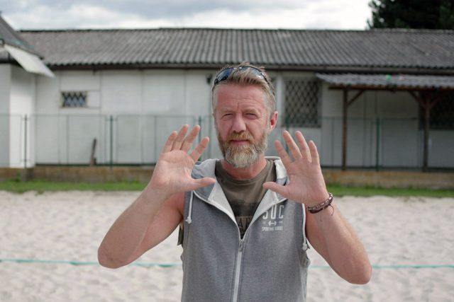 Jiří Langmajer ve filmu Přes prsty